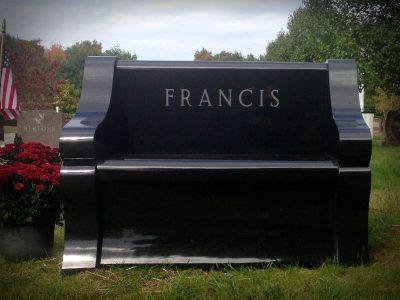 bench-francis2-2020-800x600